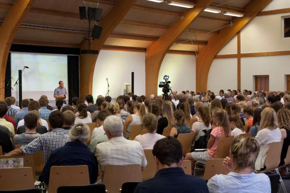 Der Saal von DCG Maubach bei Backnang ist gut gefüllt.