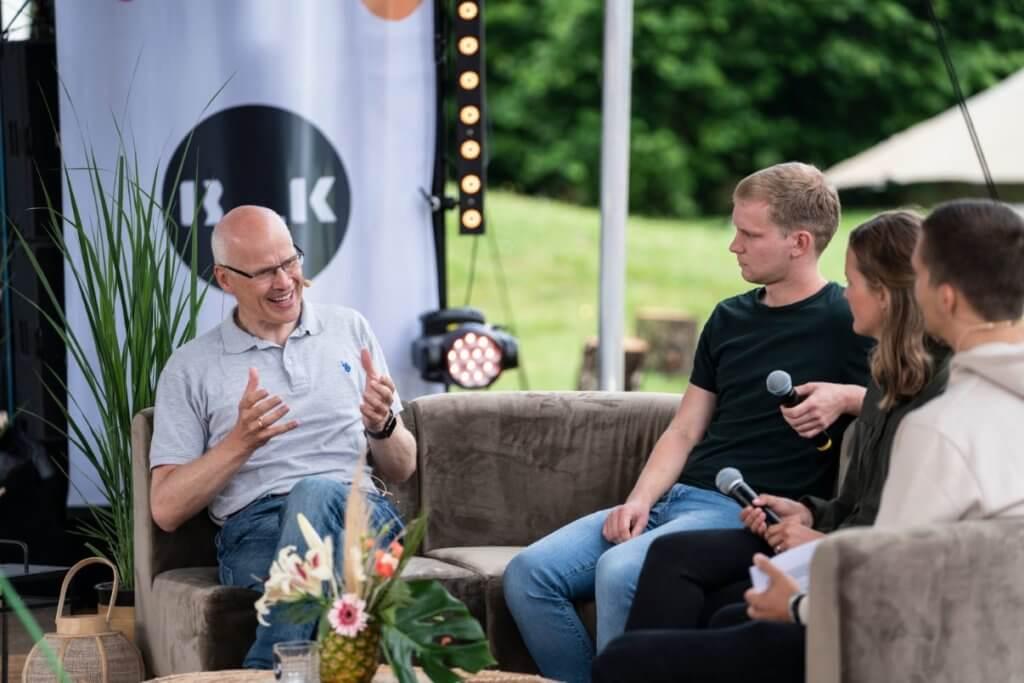 Gemeindevorsteher Carl Hahne beschreibt, wie ein Jugendlicher stark in Gottes Geist werden kann.