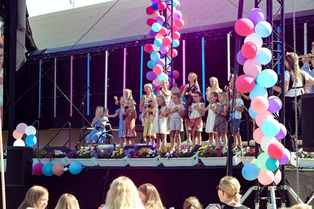 Kinderkonzert auf der Sommerkonferenz von DCG Deutschland.